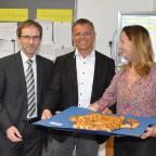 Die Vorsitzenden des Fördervereins wünschen dem neuen Schulleiter weiterhin viel Erfolg.